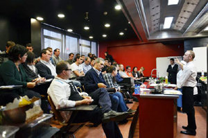 La Escuela de Hostelería y Turismo CETT de Barcelona acogió este primer monográfico de Distform que contó con la participación de Grupo Urgasa, empresa especializada en la comercialización de aves de caza, codorniz, faisán, picantón...