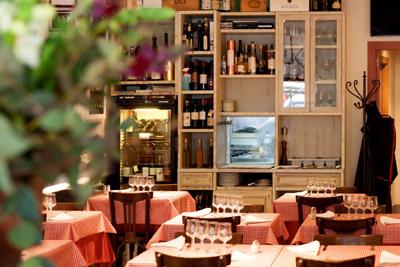 El local está ubicado en plena Eixample de barcelona, un punto neurálgico y al que acuden los clientes del restaurante con asiduidad.
